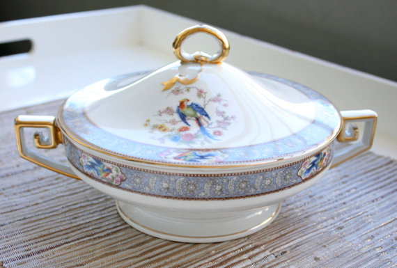 Bavaria Tirschenreuth Bird of Paradise Round Covered Vegetable Dish