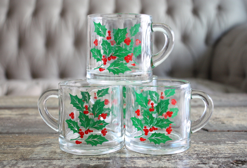 Click on photo to buy - Vintage Set Of 4 Christmas Clear Glass Mugs