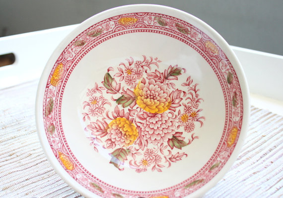 Click photo to buy - Ridgeway Ironstone Canterbury Set Of Bowls From Staffordshire England